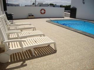 Teguise,Tiagua con piscina