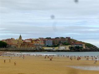 Piso nuevo junto playa San Lorenzo