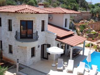 Seafront Villa Dunya