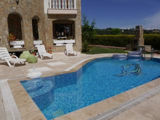Kusadasi holiday villa private pool -Sleeps 8