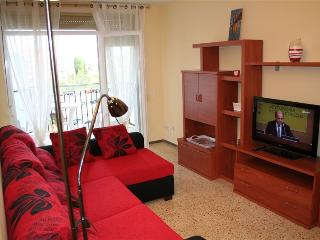 Nice apartment with pool by the sea, Pineda de Mar