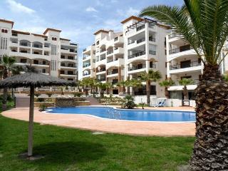Luxurious Apartment With 2 Bedrooms Marjal Beach, Guardamar del Segura