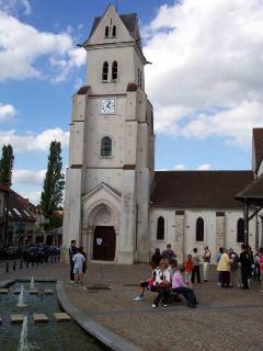 Eglise de la ville à 100 m