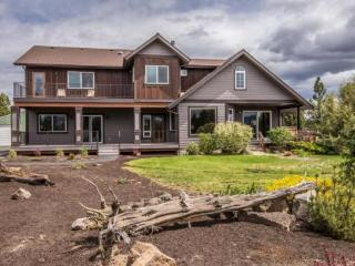 Country Quiet Yet Close to Town! 2 BR, 2 BA, Newly Built, Light & Gorgeous, Bend