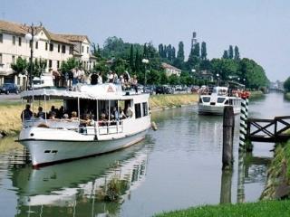 Charming apartment near Venice