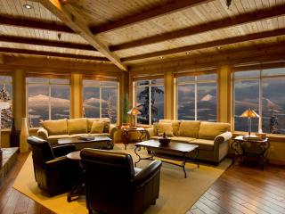 Luxurious/large ski condo Big White BC ski in/out