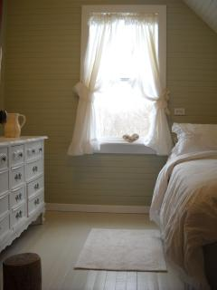 2 of 4 Cozy Bedrooms for Your Family - This is a Queen Bed