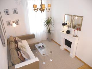 Cannes centre Cosy Chic comfortableapart with WIFI