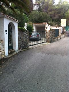 drive, car port and garage