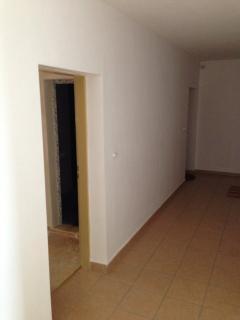 Communal corridor to apartment
