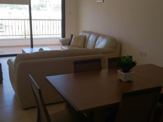 Lounge, Diner & Balcony