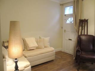 Eastgate cottage lounge with double sofa bed