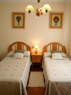 Habitación juvenil con camas de 90cm.