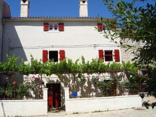 Typical Istrian House for Holiday, Rakalj