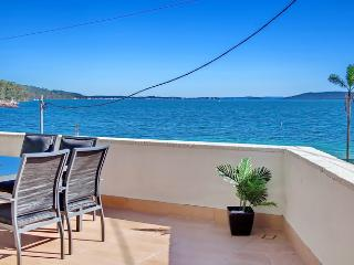 Bayview Towers, Unit 1/15 Victoria Parade, Nelson Bay