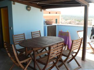 Zona relax e cibo in terrazza