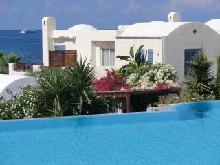 APOLLO BEACH VILLA....FRONT ROW with OWN POOL, Chlorakas