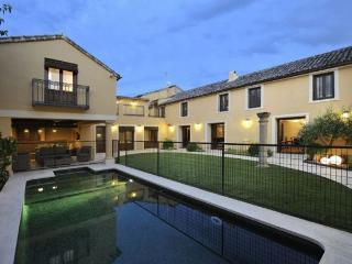 Villa Cornelius. Casa Rural completa para grupos, Las Herencias