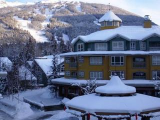 Deer Lodge 354 - Whistler Village stroll location, walking distance to lifts