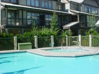 Stoney Creek Northstar 65 - Deluxe 2 bedroom condo, pool and hot tub access