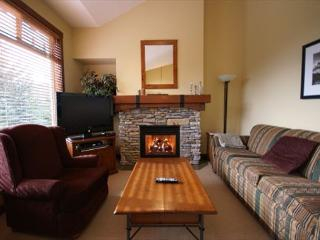 Taluswood The Bluffs 27 - deluxe slope-side 3 bedroom with stunning views, Whistler
