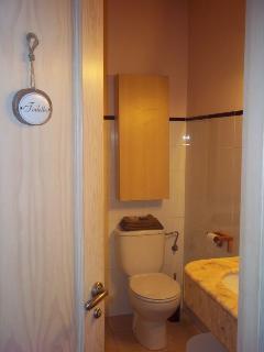 Baño (con WC, lavabo, ducha y bidé)