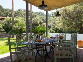Superb villa at 100meters from Cala Molins