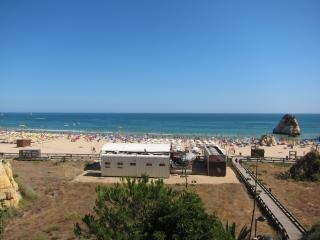 Amazing flat near the Rocha's Beach (250 m)