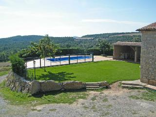 Cosme: Renewed farmhouse, 8 rooms & 8 baths, pool, Capolat