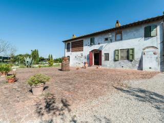 Villa Luana: 17th Tuscan century villa with pool, Orentano
