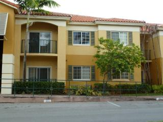 Doral, Two Bedroom Two full baths, Dos dormitorios