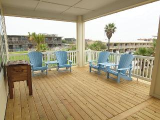 5 bed 4 1/2 bath w/ elevator, Island's shortest Boardwalk to the beach! Wi-Fi