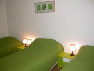 Paris 3 rooms near area montmartre 7_8 lits, Antony