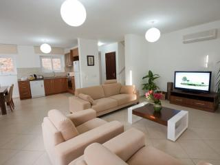 3 beds villa, very close to centrum, Kalkan