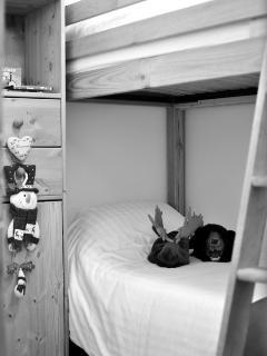 First Floor bunk room - fun for kids
