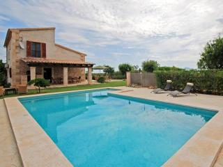 3 bedroom Villa in Santa Margalida, Mallorca : ref 4072