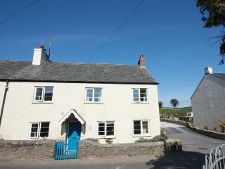 Cozy cottage with wood burner and great pub nearby, Aveton Gifford