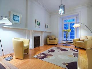 Greystone Townhouse - great location., Montreal