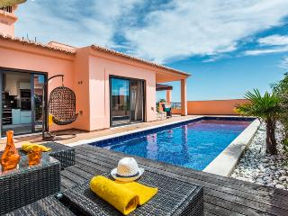 Casa Oriente, Late Summer availability ONLY 2475€, Luz