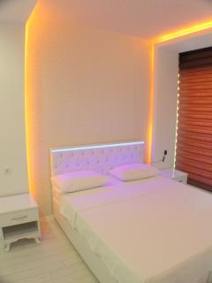 Waterfall Residence - bedroom