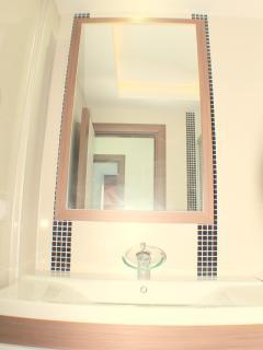 Waterfall Residence - bathroom