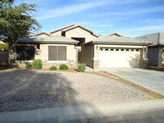 Luxurious Single Level Home in San Tan Valley.