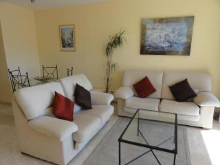 Luxury apartment set in Tropical Gardens, Sitio de Calahonda