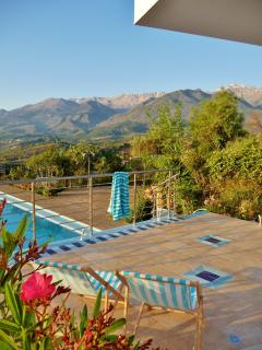 Try the retro deckchairs on the pool terrace, with views of the White Mountains
