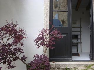 Charming Townhouse - 1bedroom Apartment Pina