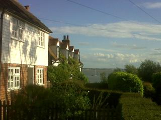 Island Cottage yards from the beach and waterside., Mersea Island