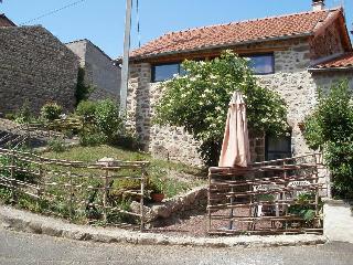 gite près des volcans, rénovation écologique, Aix-la-Fayette