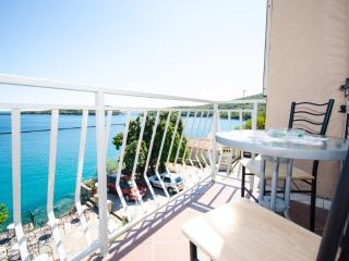 Two bedroom apartment with fantastic sea view, Molunat