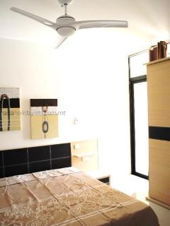 Master bedroom wit ensuite and air conditioning