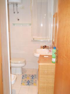 bagno pianterreno con box doccia